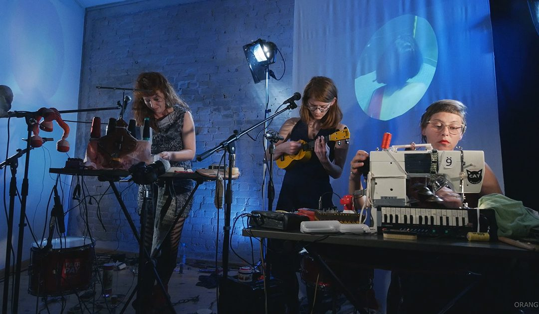 The Altbau Sessions – Duet of Amplified Musical Sewing Machines